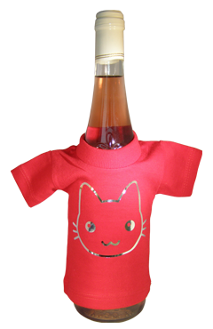 mini t-shirt over fles